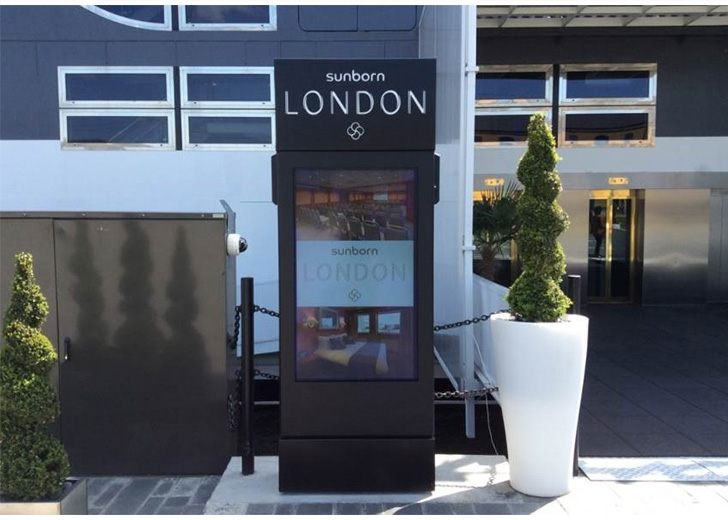 Freestanding Outdoor Digital Displays