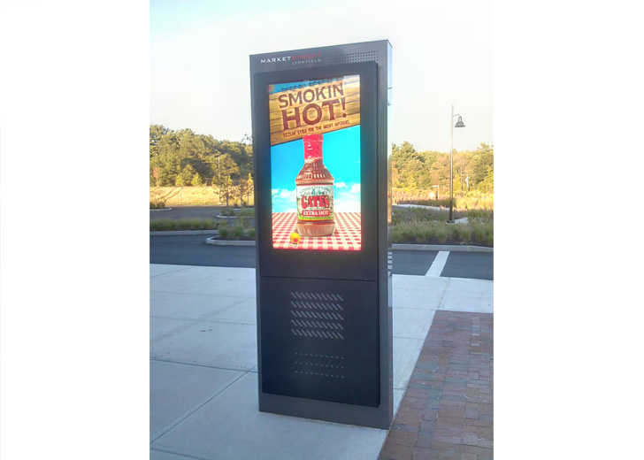 Outdoor Freestanding Digital Displays